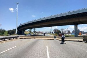 STANFORD ROAD BRIDGE IN PORT ELIZABETH NEARS COMPLETION