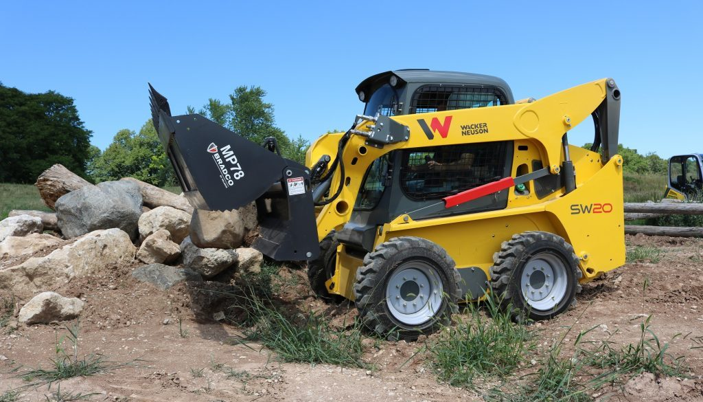 Wacker Neuson is introducing a new line of medium frame skid steer loaders ideally suited for a variety of applicat (1)