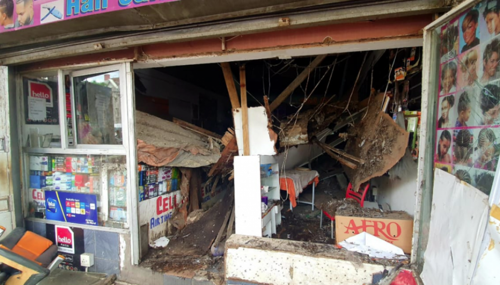 SEVERAL INJURED IN DURBAN BUILDING COLLAPSE1