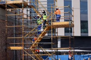 Radisson-Red-Rosebank-Construction-workers-1-555x370
