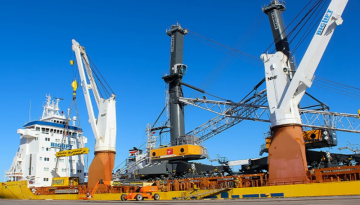 Two new cranes delivered to Port Elizabeth terminal